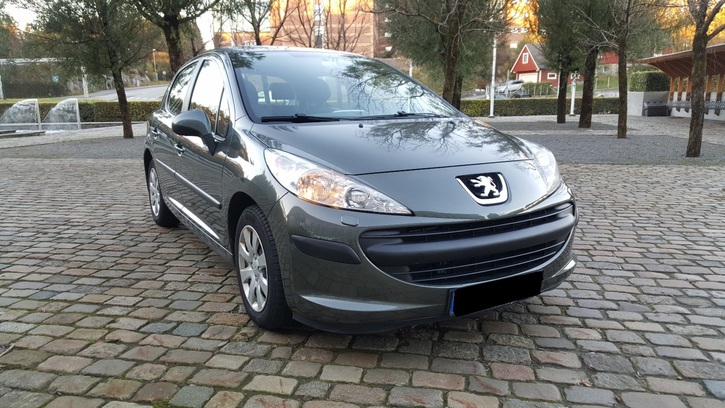 Peugeot 207 1.6HDi Véhicules