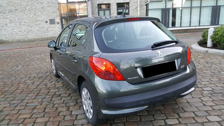 Peugeot 207 1.6HDi Véhicules 2