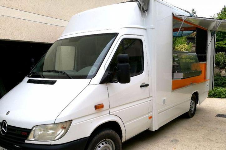 je donne mon Camion Magasin food truck snack & friterie Mercedes Sprinter Véhicules