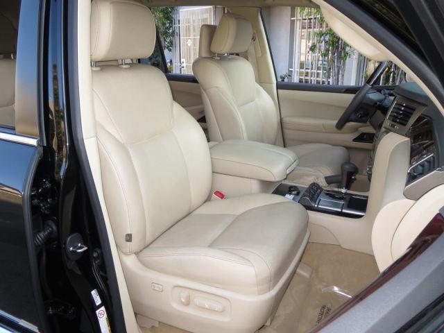 2013 Lexus LX 570 Véhicules 4