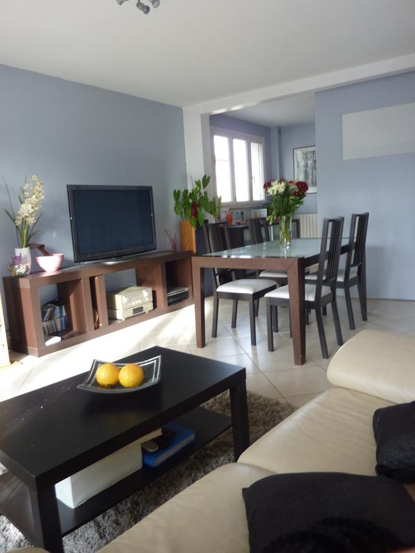 Appartement de 3 pièces de 59 m² dans petite copropriété des années 1970 sécurisée (interphone, digicodes, porte blindée…)  Immobilier