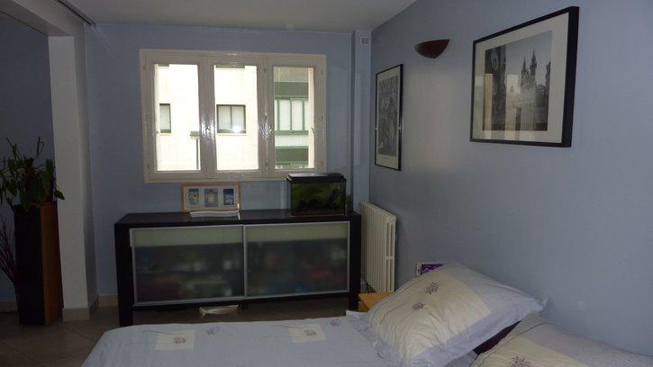 Appartement de 3 pièces de 59 m² dans petite copropriété des années 1970 sécurisée (interphone, digicodes, porte blindée…)  Immobilier 3
