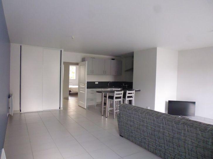 Location Appartement 3 pièces 74 m² Immobilier