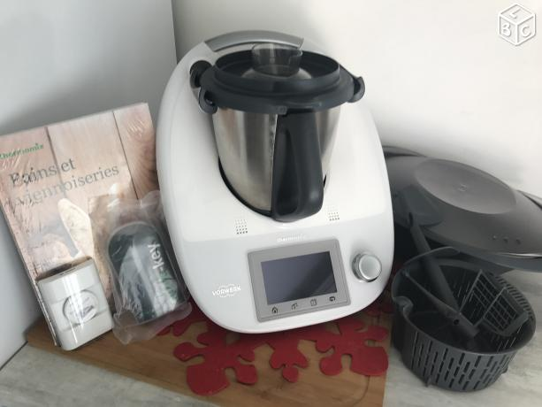 thermomix tm5 sous garantie maison bonjour je vends mon. Black Bedroom Furniture Sets. Home Design Ideas