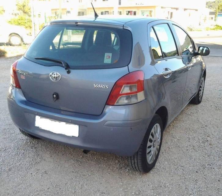 Toyota Yaris-II 5portes 100 VVT-I, Année: 2009 Véhicules