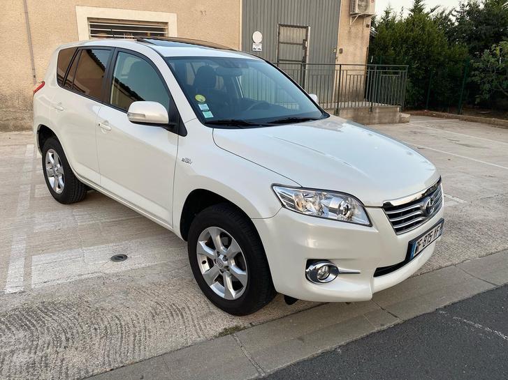 Toyota rav4 année 2011 117000km Véhicules