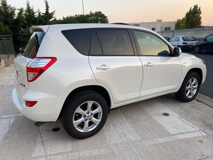 Toyota rav4 année 2011 117000km Véhicules 2